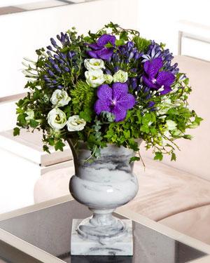 Kaunis lilleseade sinistes toonides alusel (saadaval ainult Tallinnas)