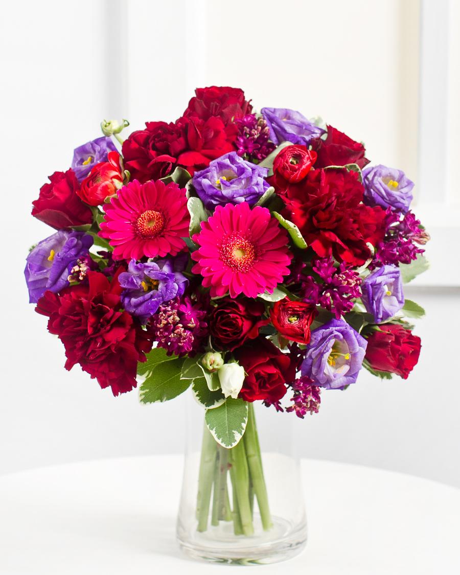 Romantiline kimp lillades toonides