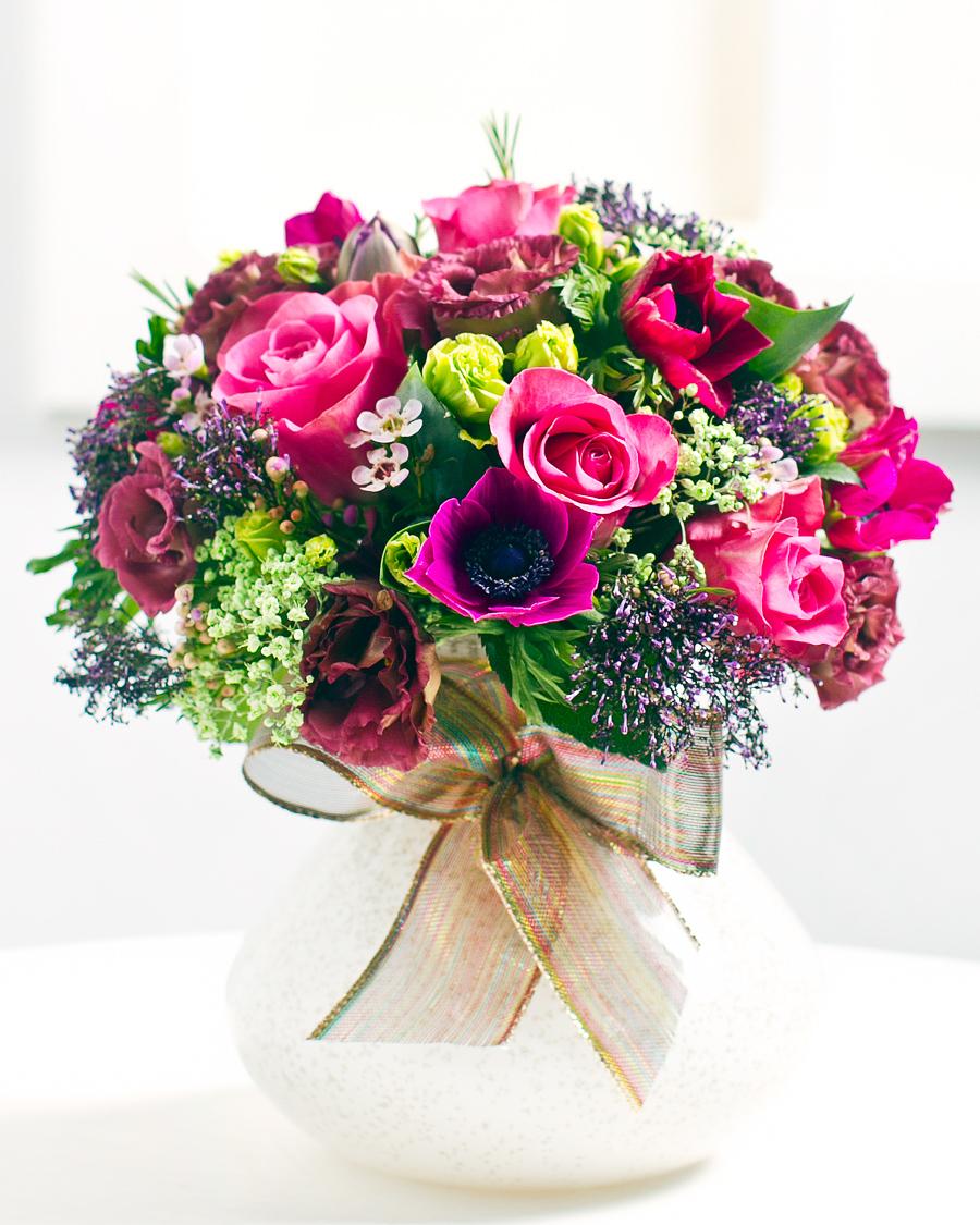 Ümar kimp roosade roosidega