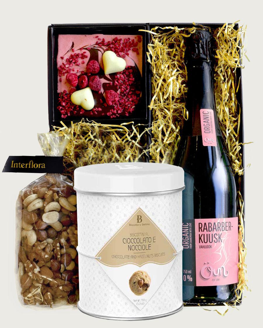 Kinkekarp rabarberi-kuuse vahujoogiga (alkoholivaba)