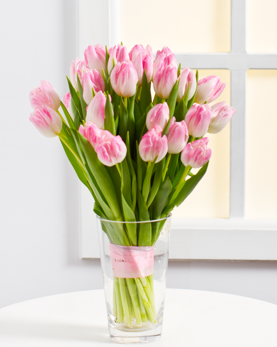 Kevadine pastelne kimp tulpidest